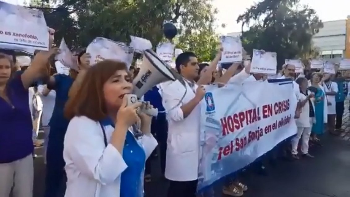 Hospital San Borja en caída libre: Médicos y funcionarios movilizados exigen al Minsal el cumplimiento de su petitorio
