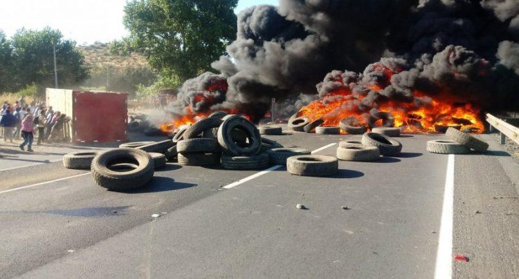 Pescadores artesanales e industriales protestaron por aprobación de ley de la jibia