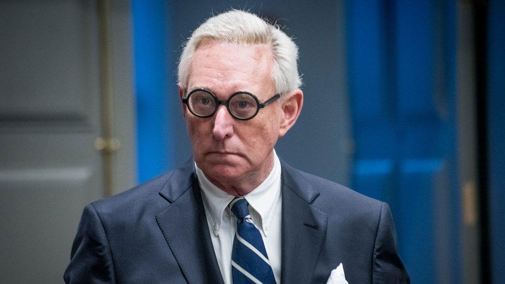 FBI detiene a Roger Stone, el extravagante asesor republicano vinculado a Donald Trump
