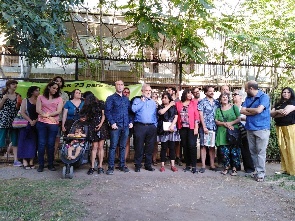 Ñuñoa: Parlamentarios visitaron toma de Villa Olímpica y anuncian reunión con el Minvu