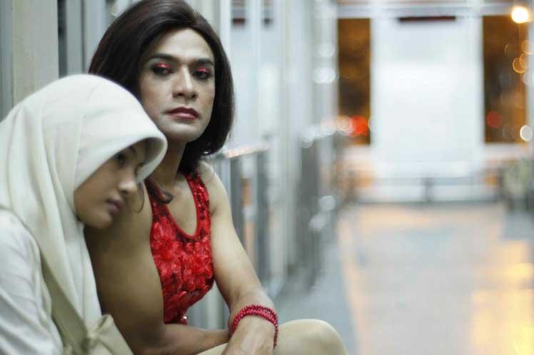Tres transexuales emiratíes se hallan en el limbo legal y de género