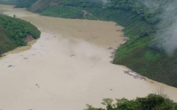 Indígenas colombianos llaman a defender el río Cauca del extractivismo
