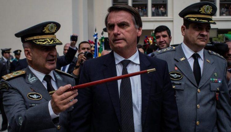 Ministro brasileño amenaza a Bolsonaro con revelar actos de corrupción