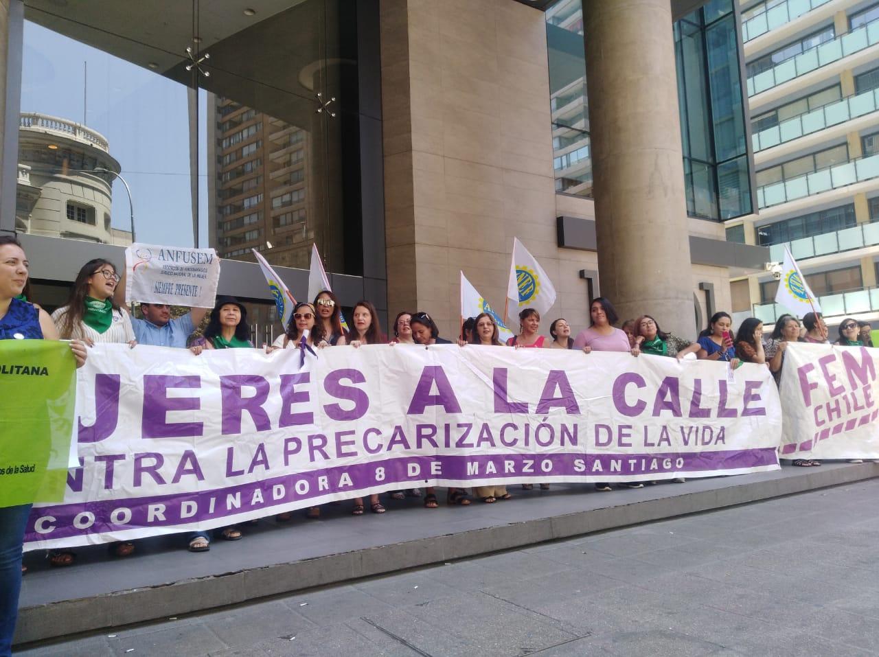 """Coordinadora 8M se manifiesta en contra de iniciativa gubernamental para una """"Educación con Enfoque de Género"""""""