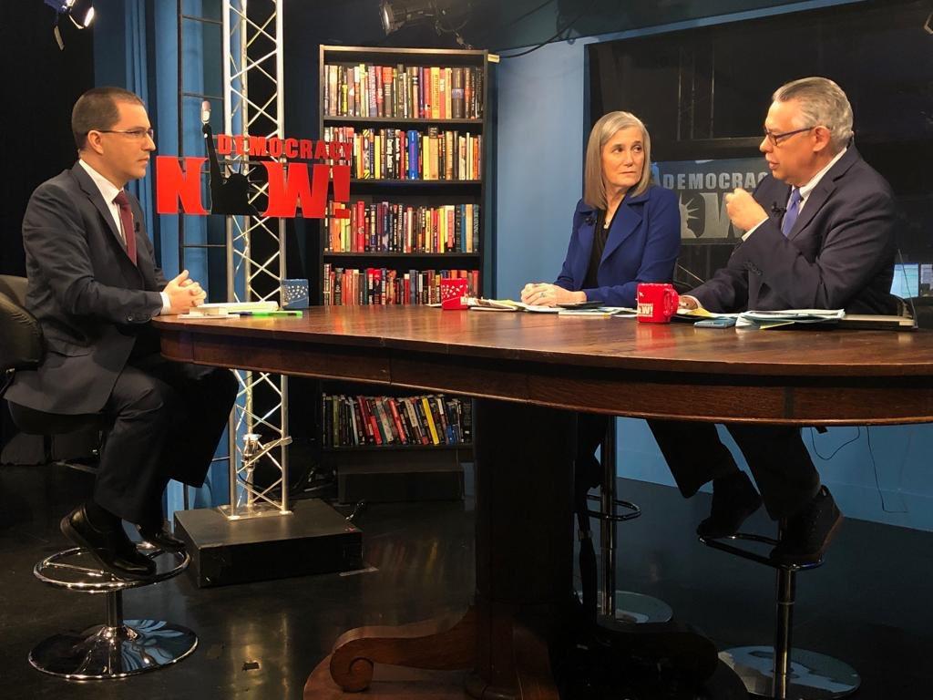 """Canciller venezolano entrevistado en Democracy Now: """"Todo ésto tiene que ver con el petróleo"""""""