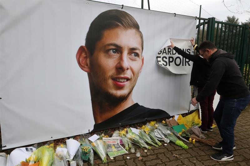 Comienza juicio contra el coordinador del viaje en el que falleció el futbolista argentino Emiliano Sala