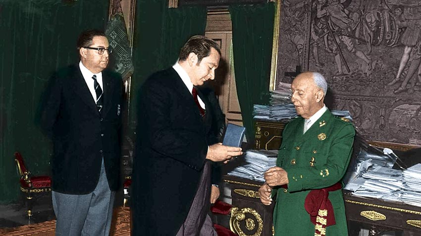 El Barcelona retirará las medallas concedidas al dictador Franco en los '70