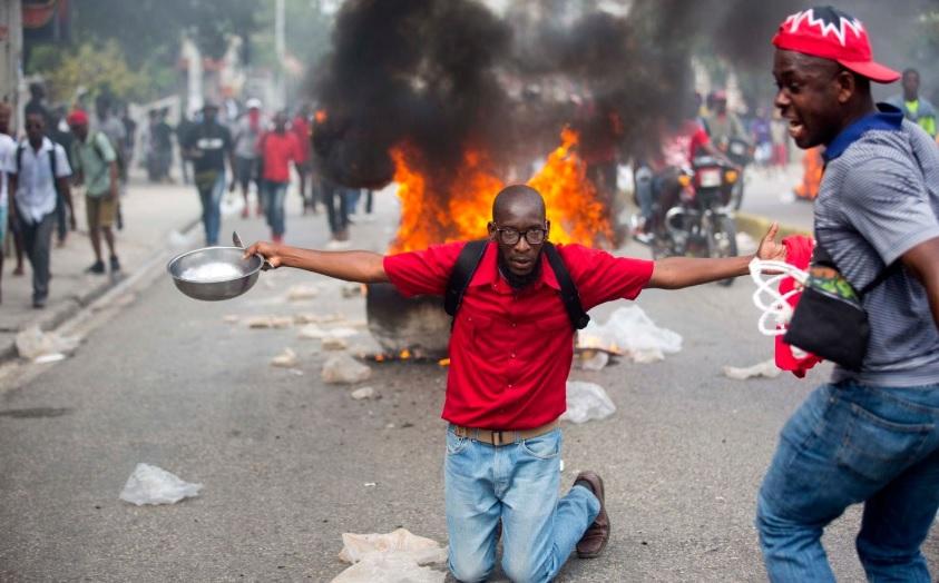 Presidente de Haití se niega a renunciar en medio de crisis política