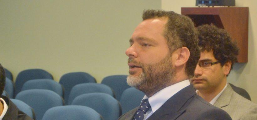 Carabineros arrestó al abogado Cristian Rosselot: Tenía una orden de detención por amenazas