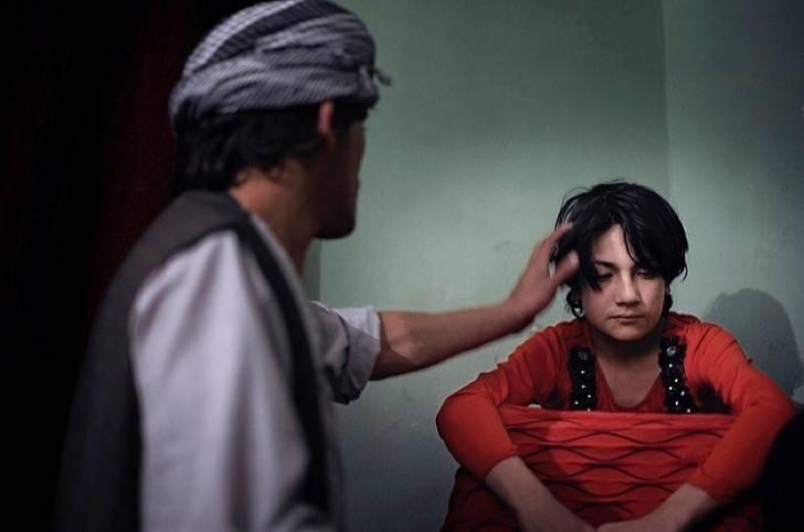 "(Video) ""Bacha bazi"", la práctica legal de prostitución infantil en Afganistán"