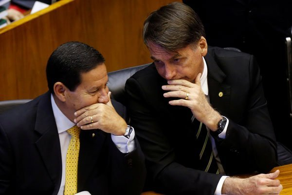 """Hamilton Mourao, segundo al mando de Brasil y potencial """"enemigo"""" de Bolsonaro"""