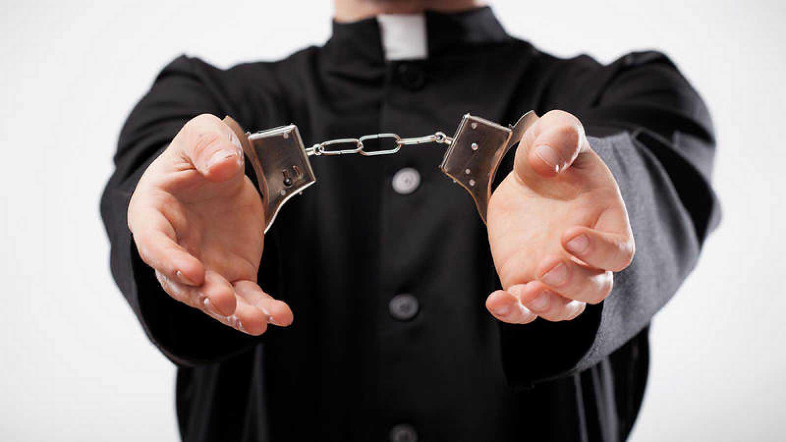 """Víctimas de abusos exigen al papa Francisco """"acciones contundentes"""""""