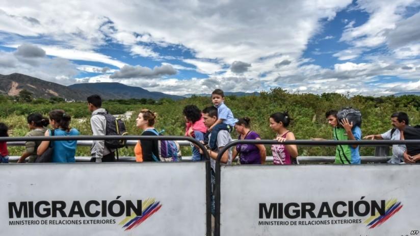 """Colombia expulsa a cinco venezolanos que """"pretendían atentar"""" contra Venezuela Live Aid"""