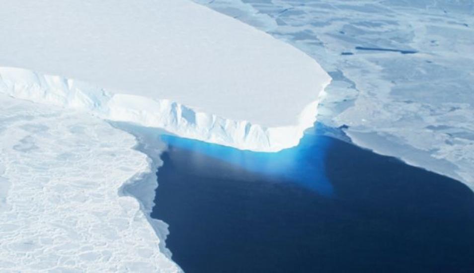 Descubren enorme hueco en la Antártida que amenaza con incrementar el nivel del mar