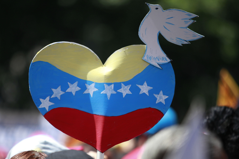China reitera su posición: facilitar conversaciones de paz sobre Venezuela