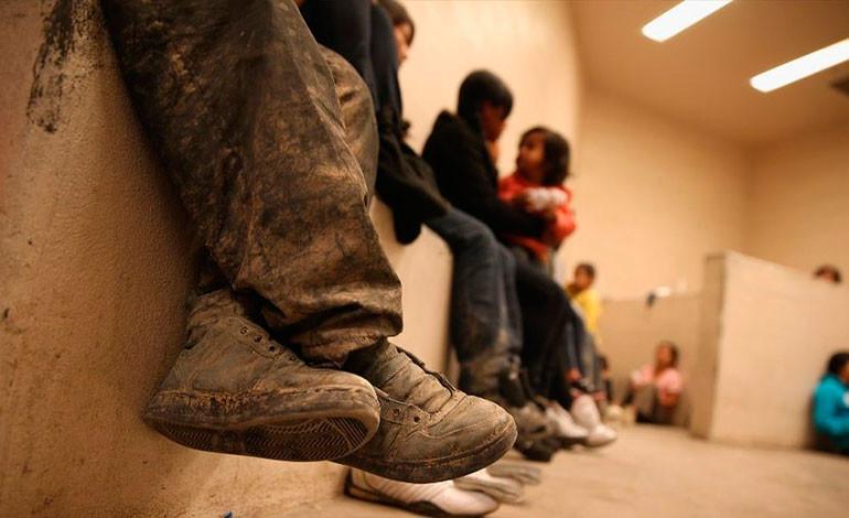 Menores migrantes son víctimas de abusos en la frontera estadounidense