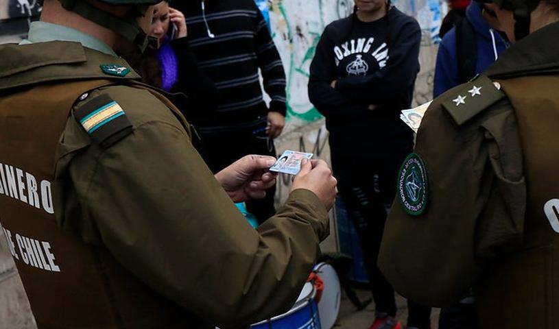 """""""Incoherente"""", """"populismo penal"""": Duras críticas al Gobierno por ampliación del control preventivo de identidad a menores"""