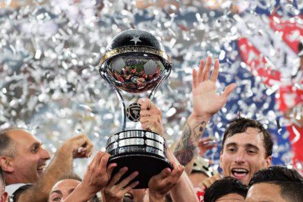 Conmebol establece protocolo para reanudar campeonatos de fútbol