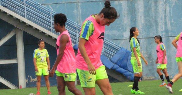 FIFA solidaria con fútbol femenino