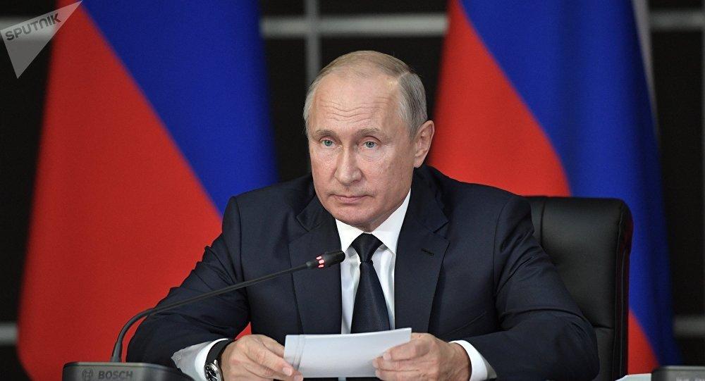 Putin firma decreto para oficializar suspensión de Rusia del Tratado INF