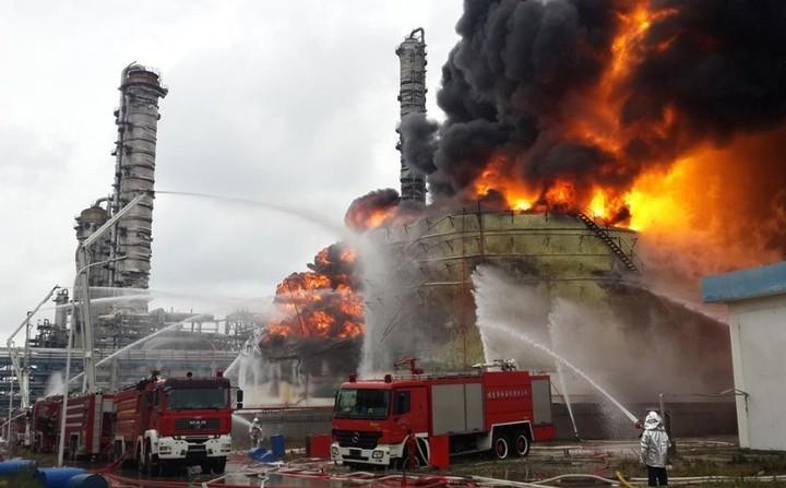China: explosión en parque industrial deja 640 heridos y 44 muertos