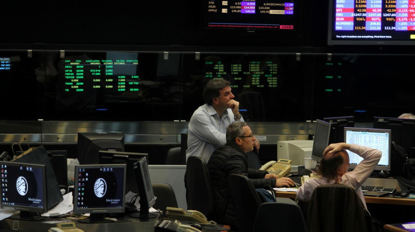 Operadores robóticos causan perdidas millonarias en Wall Street