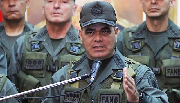 """Ministro de Defensa de Venezuela ordena enviar a Washington la nómina de la Fuerza Armada """"para facilitar la tarea de sancionar"""""""