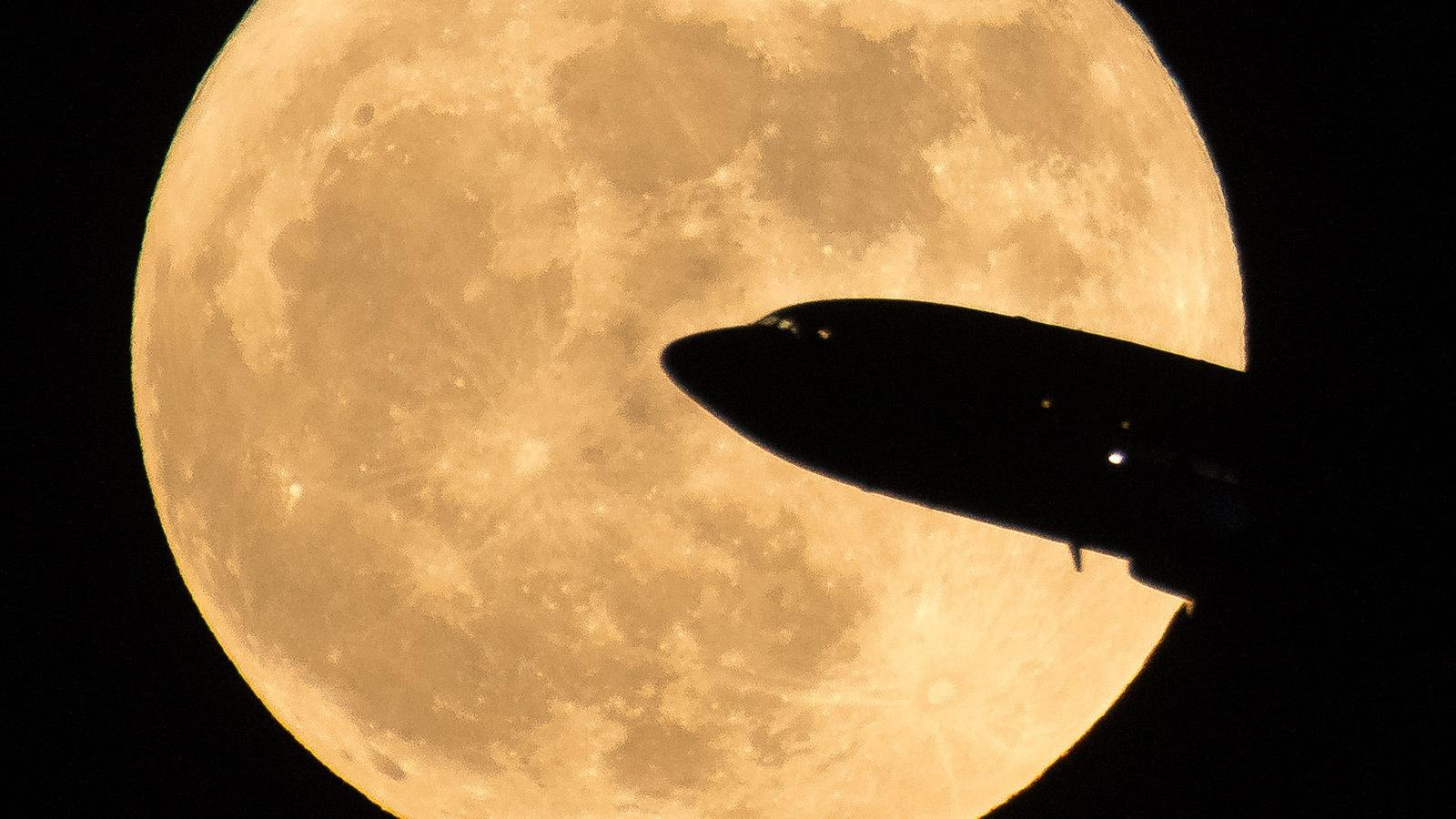 """""""Superluna de gusano"""" coincide con la llegada del equinoccio"""