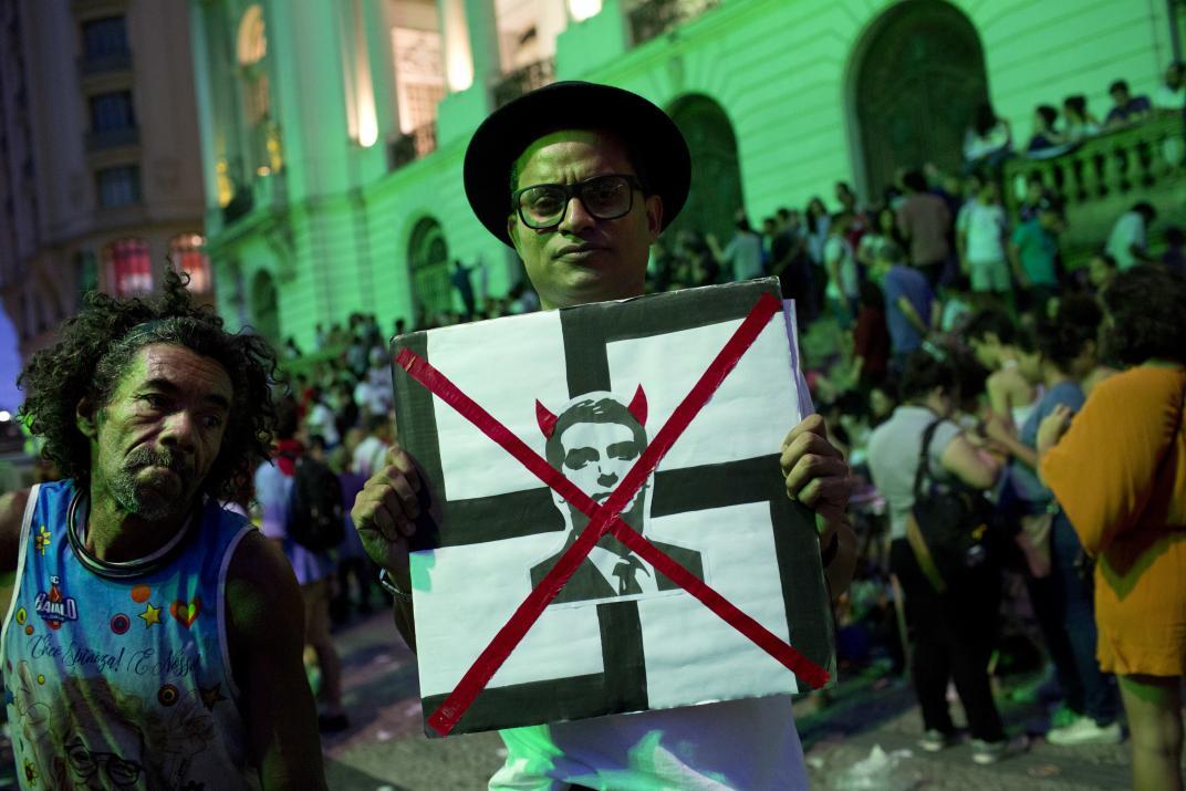 La idea de Bolsonaro de festejar el golpe militar es repudiada en Brasil