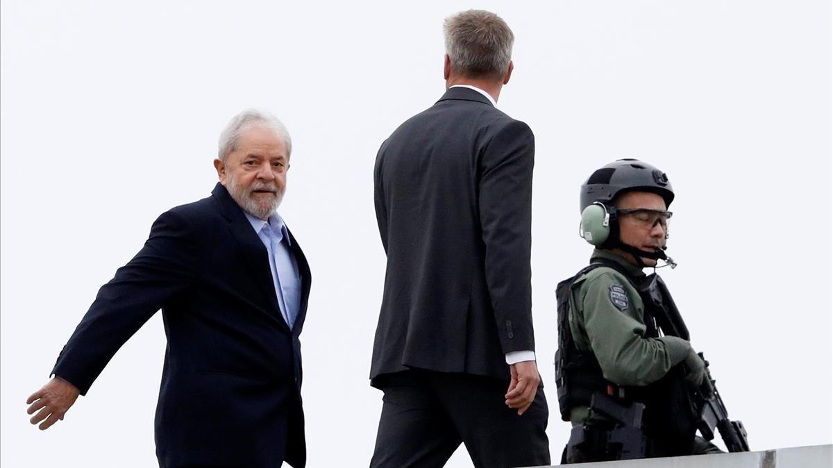 Lula sale de la prisión para asistir al entierro de su nieto