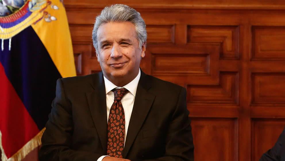 """Lenín Moreno """"revisará"""" subsidios, salarios y el IVA para complacer al FMI"""