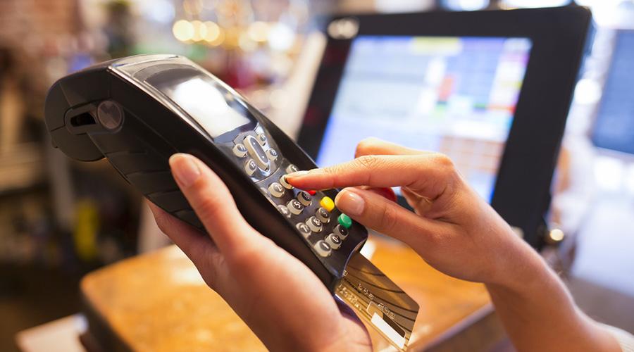 Diputado Boris Barrera: «Los bancos son los responsables de garantizar la seguridad de las tarjetas de crédito»