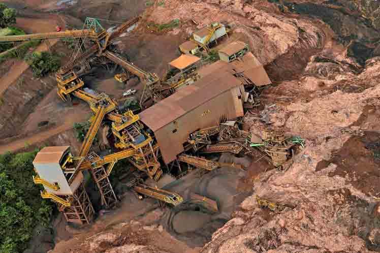 Aumentan a 186 las víctimas mortales de tragedia minera en Brasil