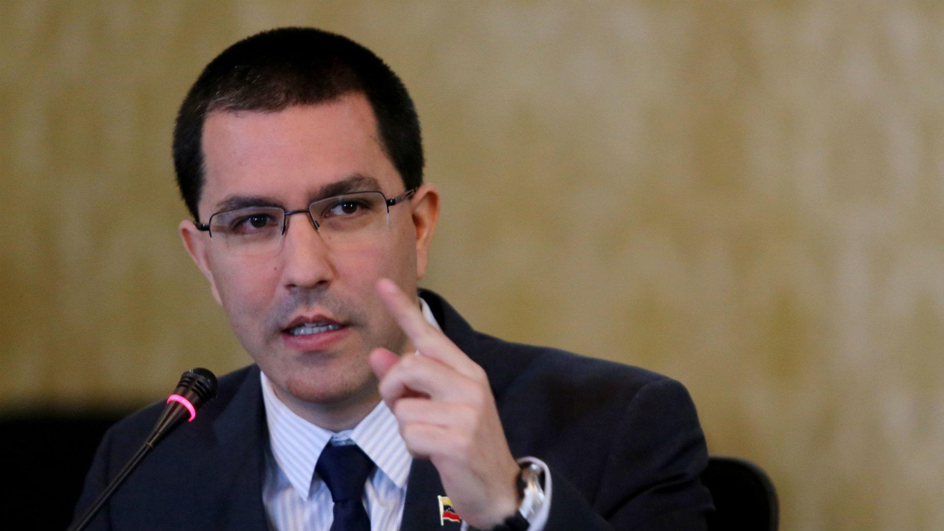 Canciller Arreaza hace responsable a Colombia por la intentona golpista en Venezuela