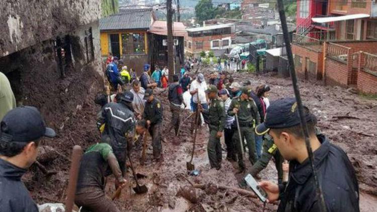 Colombia: Al menos 17 personas fallecidas por deslizamiento de tierra en el Cauca