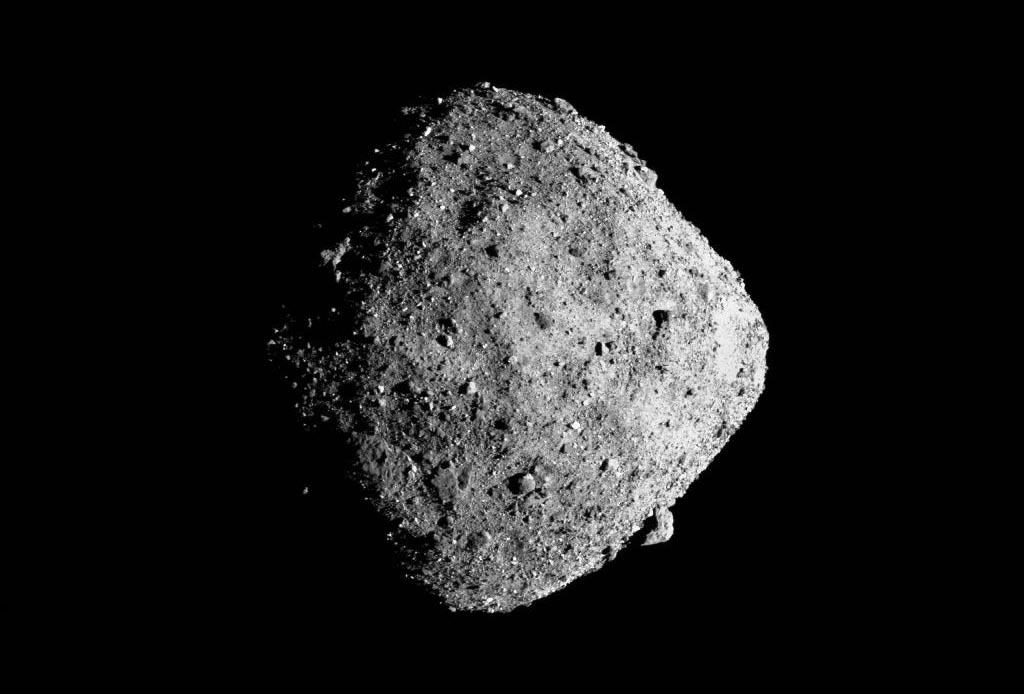 Un asteroide amenaza con impactar y destruir parcialmente la Tierra