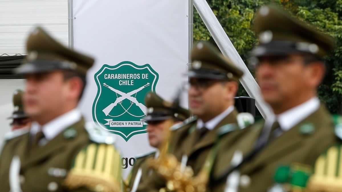 Fiscalía pide a Carabineros información sobre los viajes de 130 generales