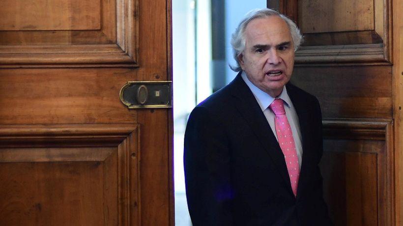 #RenunciaChadwick: Bancada PC pide la salida del Ministro del Interior tras polémica por mensajes