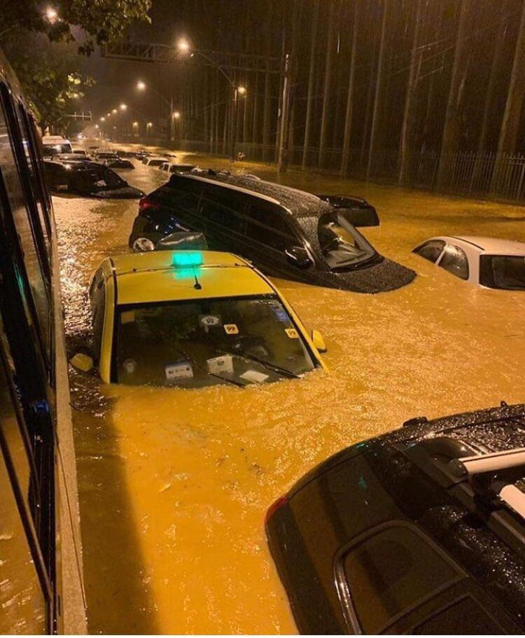 (Fotos) Río de Janeiro decreta estado de calamidad pública por lluvias