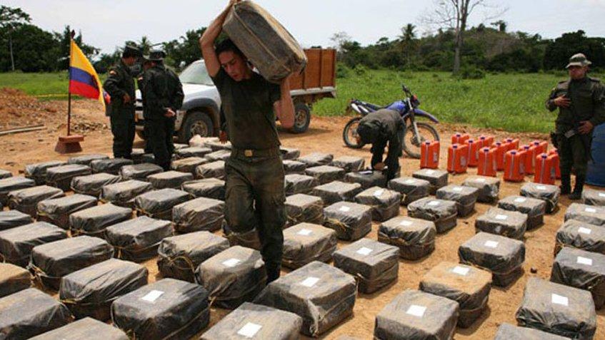 """""""Bajamos la producción pero EE.UU. tiene que bajar el consumo"""", le dice Colombia a Trump por sus críticas sobre la droga"""