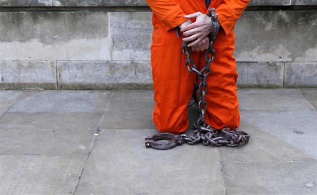 Óptica WikiLeaks (IV): Los manuales de los oscuros tratos en la cárcel de Guantánamo