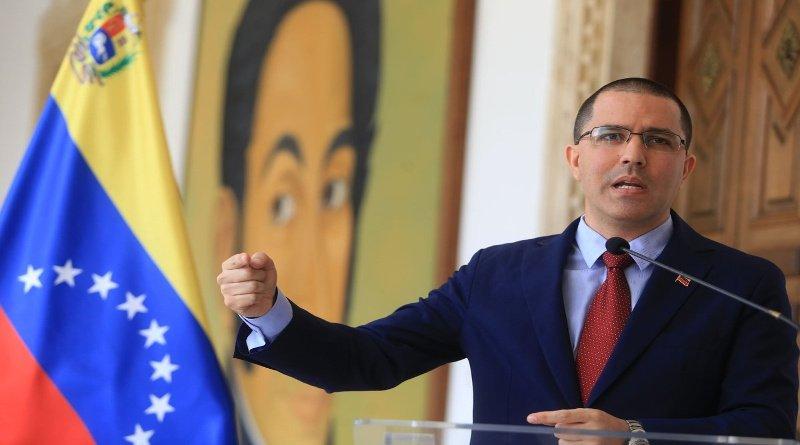 Canciller Arreaza acusa a Iván Duque de crear otro falso positivo contra Venezuela
