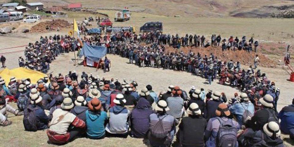 (Video) Indígenas peruanos desbloquean parcialmente acceso a Las Bambas