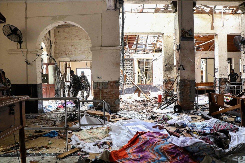 (Fotos y videos)Más de 200 muertos por explosiones en iglesias y hoteles de Sri Lanka