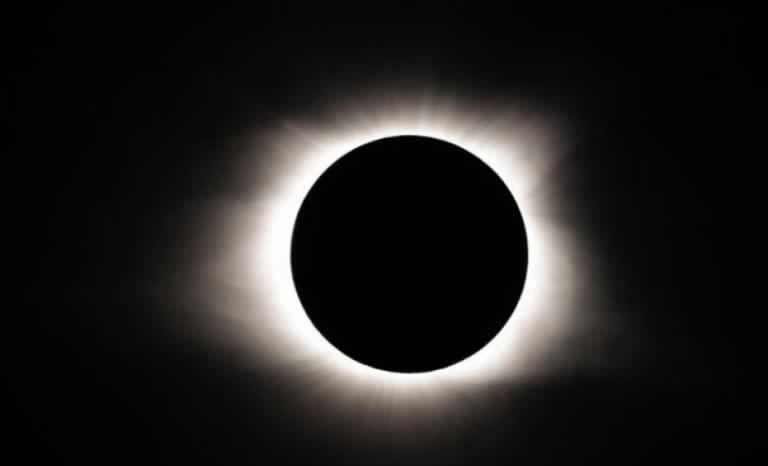 Comunidad El Toro de Andacollo se prepara para el eclipse de sol del 2 de julio