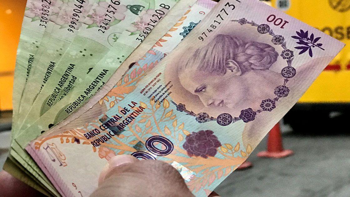 Banco Central de Argentina fija tope del dólar hasta fin de año ante inflación en marzo