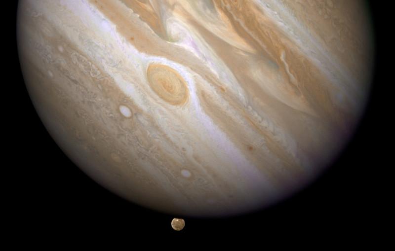 Descubren un exoplaneta gigante 13 veces más masivo que Júpiter
