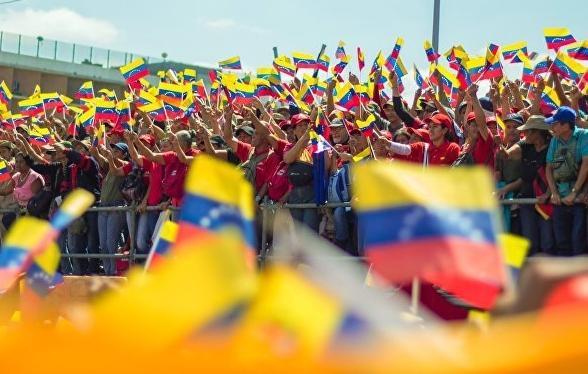 La opción del uso de la fuerza militar en Venezuela enfrenta a Colombia y Rusia