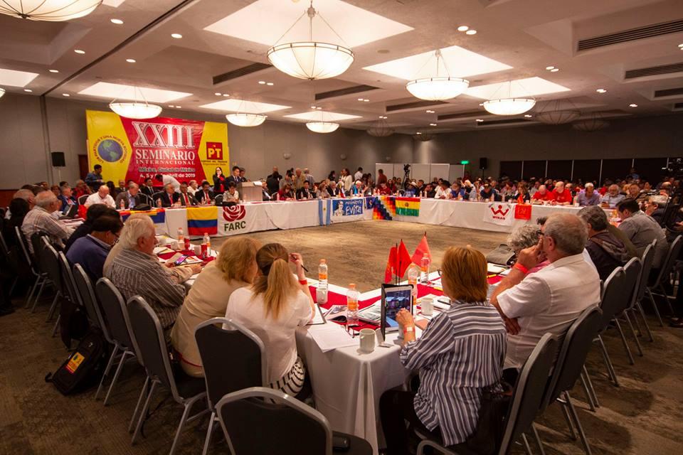 """Izquierda mundial participa en seminario internacional """"Los Partidos y Una Nueva Sociedad"""""""