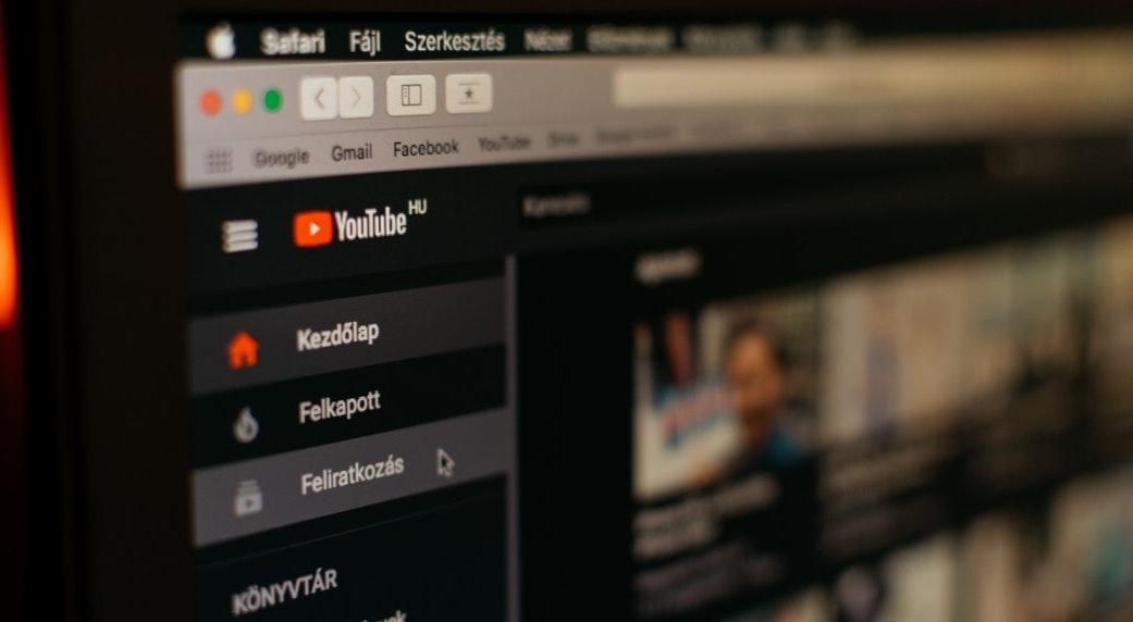 YouTube en el ojo del huracán por uso indiscriminado de Inteligencia Artificial